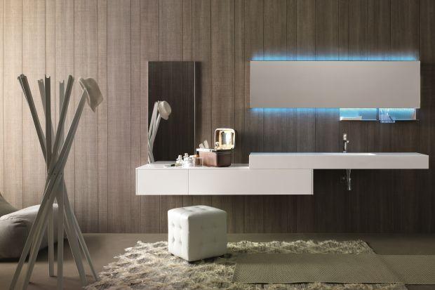 """Łazienka z efektem """"wow"""" – 10 pomysłów na wnętrze z błękitnym światłem"""