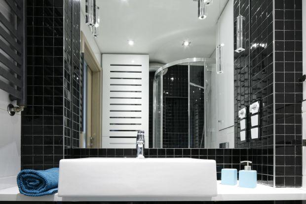 Łazienkaw bardzo małym, 36-metrowym mieszkaniu, została zaprojektowana z myślą o funkcjonalności. Optymalnie wykorzystano tu każdy centymetr kwadratowy powierzchni.