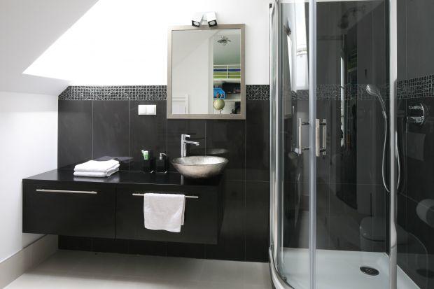Prysznic w narożniku – sposób na wygodę w małej łazience