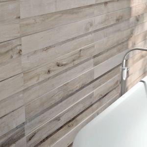 Marka Flaviker oferuje serię płytek łazienkowych Dakota o wyglądzie drewnianych desek. Fot. Flaviker