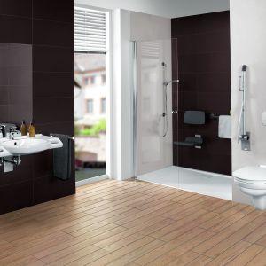 Kolekcja do łazienki bez barier O.novoVita marki Villeroy&Boch oferuje wyposażenie ze zintegrowanymi uchwytami, które zapewniają komfort i bezpieczeństwo. Fot. Villeroy&Boch