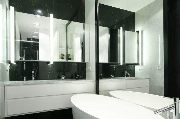 Szafki lustrzane łączą funkcje kilku sprzętów, niezbędnych w łazience: mebla, lustra, a niejednokrotnie także oświetlenia.