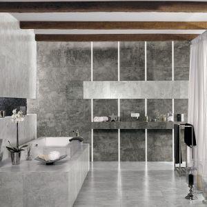 Płytki w szarościach dobrze pasują do łazienki w stylu loft. Okładzina jest inspirowana stylem skandynawskim; ma przetarty rysunek betonu oraz efekt postarzenia. Na zdjęciu: seria płytek gresowych Bergen marki Ceramstic. Fot. Ceramstic