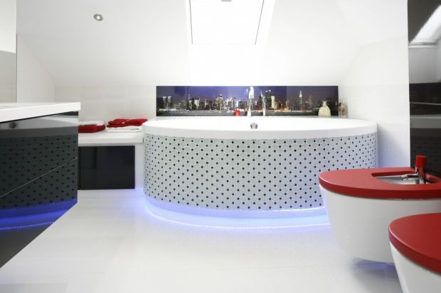 Diody, taśmy i lampy LED dają wyjątkową możliwość doboru odpowiedniej barwy światła.Dzięki temu mamy wpływ nie tylko na wystrój łazienki, ale także atmosferę wnętrza i na nasze samopoczucie.