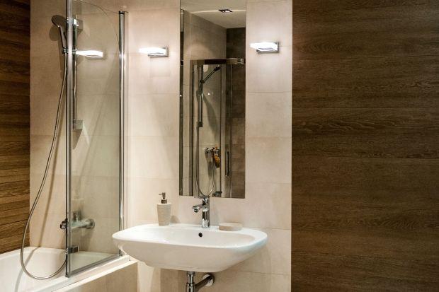 Na etapie projektowania łazienki bardzo ważny jest wybór odpowiedniego oświetlenia. Jest ono kluczowe, nie tylko jako element aranżacji wnętrz, ale również aby łazienka była w pełni funkcjonalna.