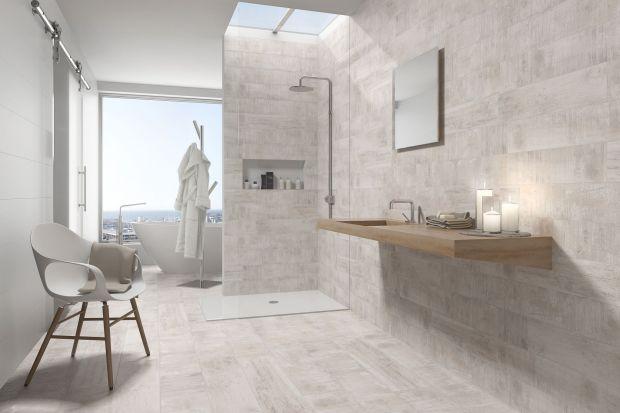 Projektanci wnętrz coraz częściej proponują aranżacje w klimatycznym stylu loft. Modne szare ściany można stworzyć, stosując płytki ceramiczne – producenci proponują wiele kolekcji w minimalistycznym klimacie.