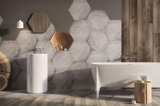 Sześciokątne płytki ceramiczne są polecane do łazienek w różnych stylach. Układać je można zarówno na ścianach, jak i podłogach. Nowe seria marki Ceramstic ma dodatkowo ciekawą powierzchnię – jak beton.