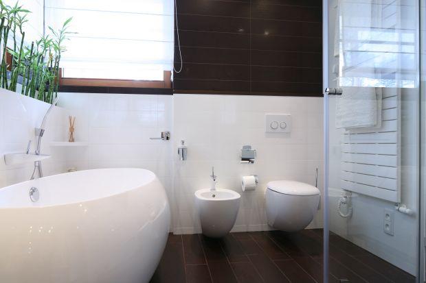 Styl eko święci coraz większe tryumfy wśród miłośników prostych, a zarazem efektownych aranżacji łazienek. Nie tylko ze względu na wszechobecną popularyzację ekologicznego stylu życia, ale również dzięki wykorzystywaniu wysokojakościowyc