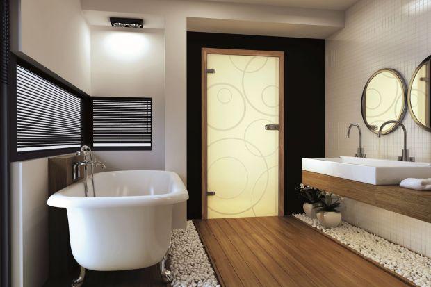 <br />Szkło to materiał wyjątkowy na drzwi łazienkowe. Dodaje wnętrzu lekkości. Przepuszcza też światło. Oto nowości marki Invado.