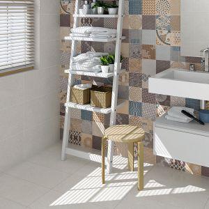 Stylizowane na cementowe płytki Aplha z kolorowymi, prostokątnymi dekorami. Fot. Vives Ceramica