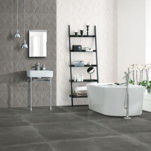 Ceramiczne płytki podłogowe z kolekcji Fusion w szarym, przetartym kolorze, przywodzącym na myśl beton. Fot. Peronda
