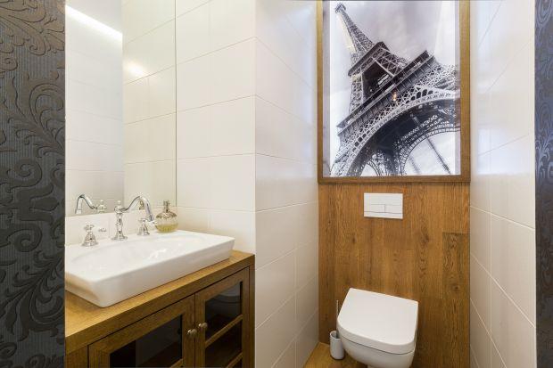 Jak urządzić toaletę dla gości? Zobaczcie 10 inspirujących wnętrz z domów Polaków.