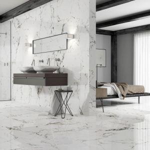 Zainspirowana marmurem Carrara kolekcja płytek ceramicznych Tucci marki Museum oczarowuje odważnymi wzorami w kolorach czarnym i... złotym. Fot. Peronda