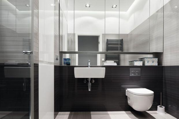 Górna zabudowa meblowa to domena nie tylko kuchni - świetnie sprawdzi się również w łazienkach. Zobaczcie pomysły na górne szafki!