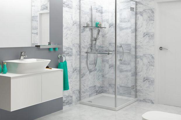 Jak w szybki sposób odmienić wygląd ściany w łazience? Postawcie na dekoracyjne panele ścienne.