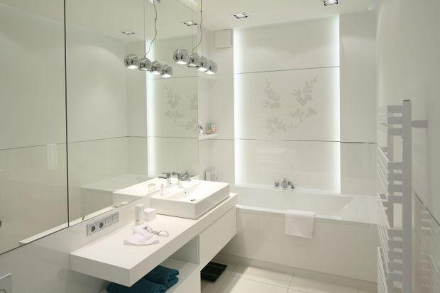 Nastrojową atmosferę w łazience pomoże zbudować odpowiednio dobrane oświetlenie. Szczególnie pomocne będą taśmy LED.