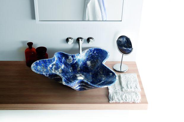 Od umywalki zazwyczaj oczekujemy, aby była estetyczna i komfortowa w użytkowaniu. Niektóre mogą jednak przyjmować prawdziwie artystyczne formy.
