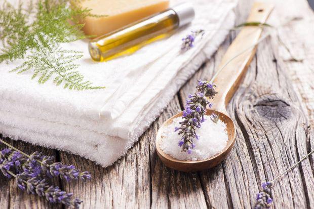Wiosna nastraja nas do odświeżenia naszych mieszkań i łazienek. Po gruntownym sprzątaniu warto zadbać o to, aby w łazience na długo pozostał przyjemny zapach.