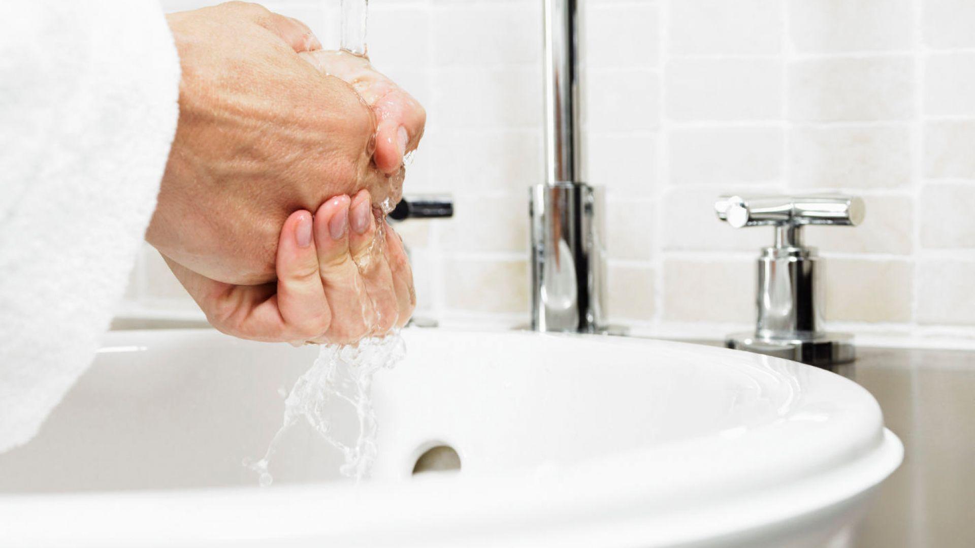To przede wszystkim nasze praktyki i przyzwyczajenia mogą przesądzić o sporej miesięcznej oszczędności wody, a tym samym - obniżeniu ogólnych kosztów związanych z wykorzystywaniem jej w gospodarstwie domowym. Fot. Fotochanell