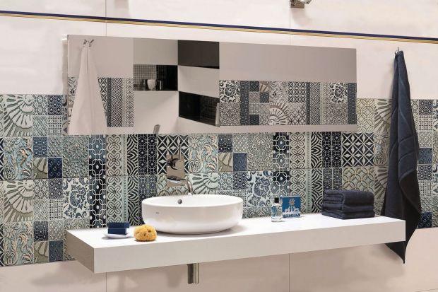 Łączenie różnych wzorów, a niekiedy nawet kolorów to domena patchworku. Zobaczcie, jak prezentuje się w łazience.