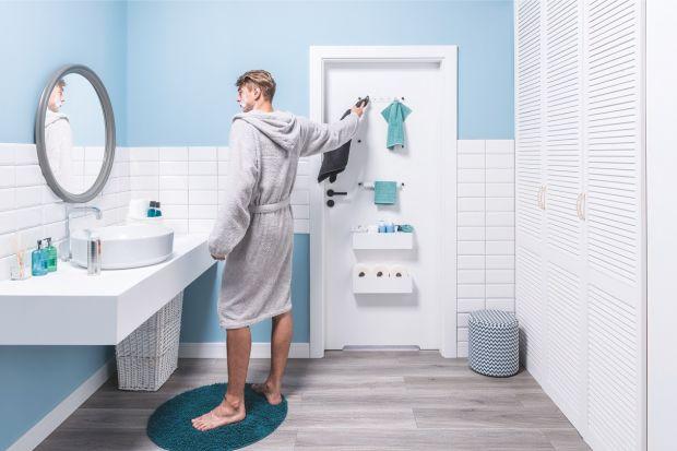 Drzwi do łazienki dzielą przestrzeń, zapewniają intymność, a teraz również mogą pełnić funkcję praktycznego mebla do przechowywania akcesoriów czy kosmetyków. Zobaczcie sami!