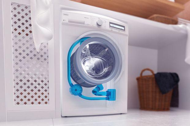 Kupując pralkę zwróćmy uwagę, czy wybrany przez nas model pomaga oszczędzać wodę, energię, a także... nasz czas.