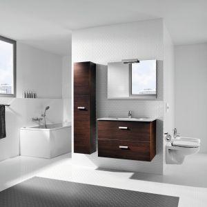 Ciemne meble łazienkowe z kolekcji Victoria Basic firmy Roca. Fot. Roca