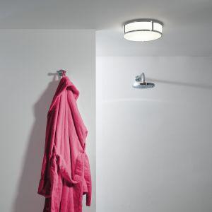 Okrągła lampa sufitowa Mashiko 300 Round LED przeznaczona do łazienek: stopień ochrony IP44. Fot. Aurora Lighting