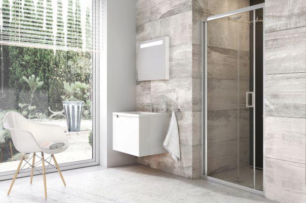 Urządzenie strefy prysznica we wnęce nie jest wcale trudne, dzięki różnym rodzajom drzwi oferowanych przed producentów kabin.