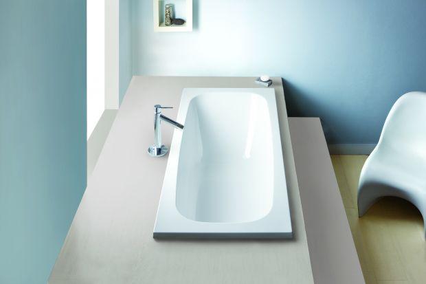 Głęboka, wygodna wanna akrylowa to nowość w serii do tej pory zdominowanej przez kabiny prysznicowe. Zobaczcie jak się prezentuje!