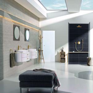 Aranżacja eleganckiej łazienki z bateriami z serii Essence. Fot. Grohe