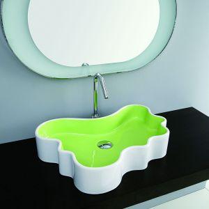 Dwukolorowa umywalka Mini Splash marki Disegno Ceramica. Fot. Disegno Ceramica