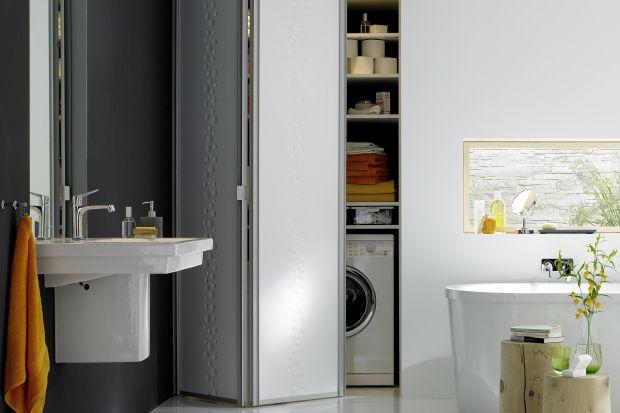 Jak wygospodarować miejsce na pralkę w łazience i zachować estetykę aranżacji? Mamy dla Was kilka rozwiązań.