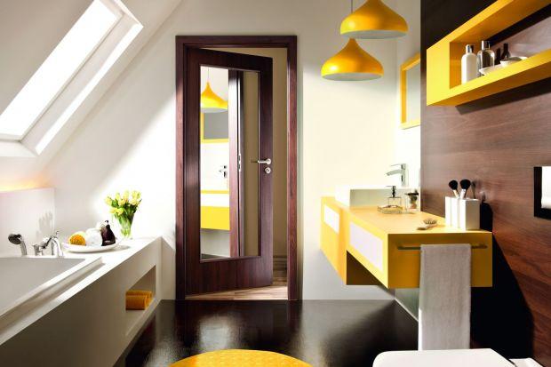 Drzwi łazienkowe to specyficzny rodzaj drzwi wewnętrznych. Zobaczcie 3 ciekawe pomysły.