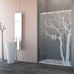 Przesuwne drzwi wnękowe Espera DWD z dekoracyjnym ornamentem na szkle. Fot. Radaway
