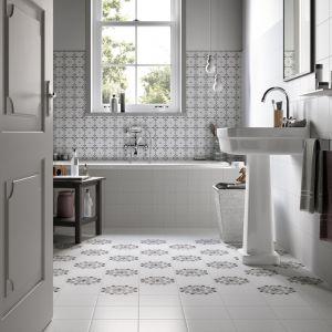 Aranżacja szarej łazienki w stylu klasycznym z płytkami ceramicznymi z kolekcji Habitat marki Imola Ceramica. Fot. Imola Ceramica