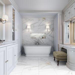 Aranżacja łazienki w stylu klasycznym z wolno stojącą wanną Hollywood marki Devon&Devon. Fot. Devon