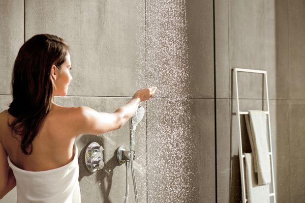 Od prysznica obecnie oczekujemy czegoś więcej niż tylko szybkiej higieny. Dziś strefa natrysku to strefa relaksu, a osiągnąć go pomaga nowoczesna armatura.