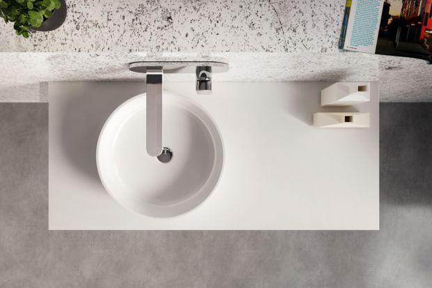Aby umywalka była funkcjonalna i nie przeszkadzała nam w trakcie codziennego użytkowania powinna zapewniać swobodną przestrzeń do mycia i odpowiednią ilość miejsca na odłożenie kosmetyków. Te dwa kryteria idealnie łączą umywalki instalowane