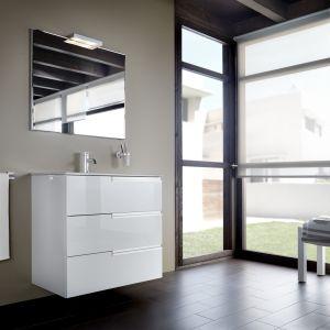 Białe meble łazienkowe z kolekcji Victoria-N Family marki Roca. Fot. Roca