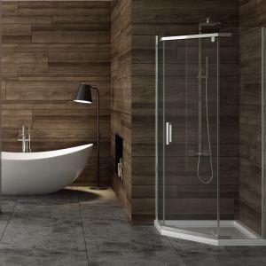 Pięciokątna kabina prysznicowa dedykowana do małych łazienek New Komfort marki New Trendy. Fot. New Trendy
