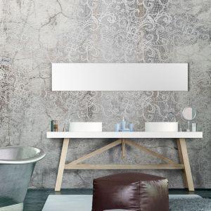Łazienka z tapetą z kolekcji Icona. Fot. Instabilelab