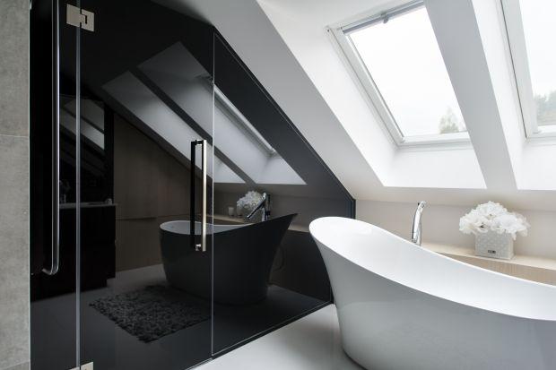 Będąca wcześniej królestwem dzieci kolorowa łazienka przeobraziła się za sprawą arch. Elizy Polakiewicz w elegancki salon kąpielowy. Dominują w nim kolorystyczny duet czerni i bieli oraz luksusowe wyposażenie.
