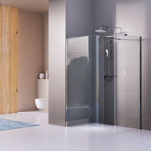 Kabina prysznicowa z serii Walk-In z giętym szkłem marki Excellent