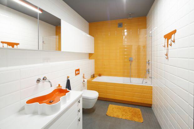 Kolor w łazience to świetny sposób na stworzenie atmosfery lata, która pomoże zrelaksować się w jesienne, długie wieczory.