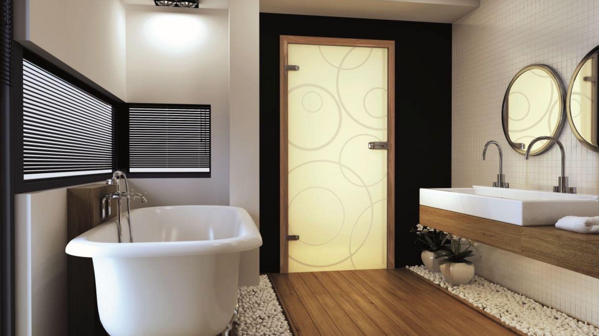 Drzwi łazienkowe z kolekcji Amber. Fot. Invado