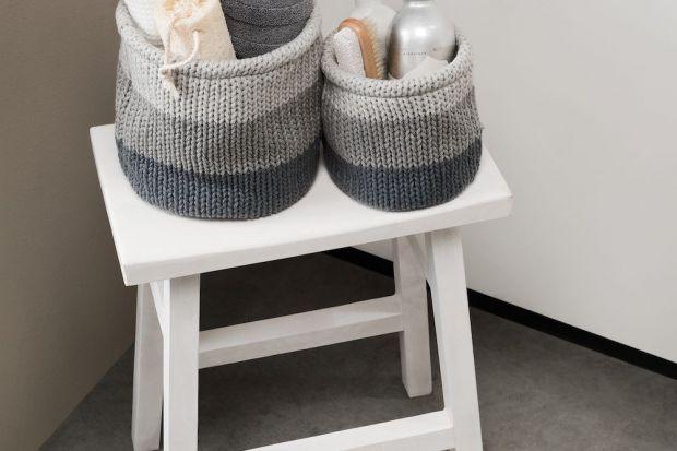 Łazienka to bardzo ważne pomieszczenie w Twoim domu, dlatego warto zadbać o to, aby czuć się w niej dobrze i komfortowo. Najlepszym sposobem, żeby to osiągnąć jest przemyślane uporządkowanie przestrzeni wokół siebie.