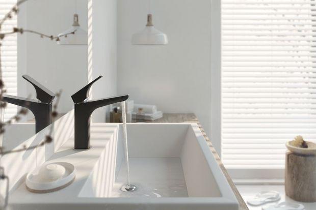W każdej łazience jest bateria umywalkowa. Ale nie w każdej musi wyglądać tak samo. Tradycyjny chrom warto zamienić np. na mocną czerń.