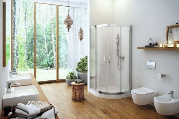 Inspiracje naturą to jeden z najgorętszych trendów aranżacyjnych tego sezonu. W łazience prezentuje się nad wyraz urokliwie.