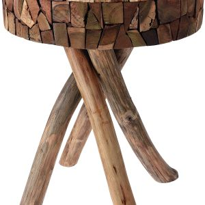 Design wykonanego z drewna teakowego stolika Brindille łączy surową naturę i wyjątkową urodę naturalnego surowca. Fot. Interior (sklep 9design.pl)